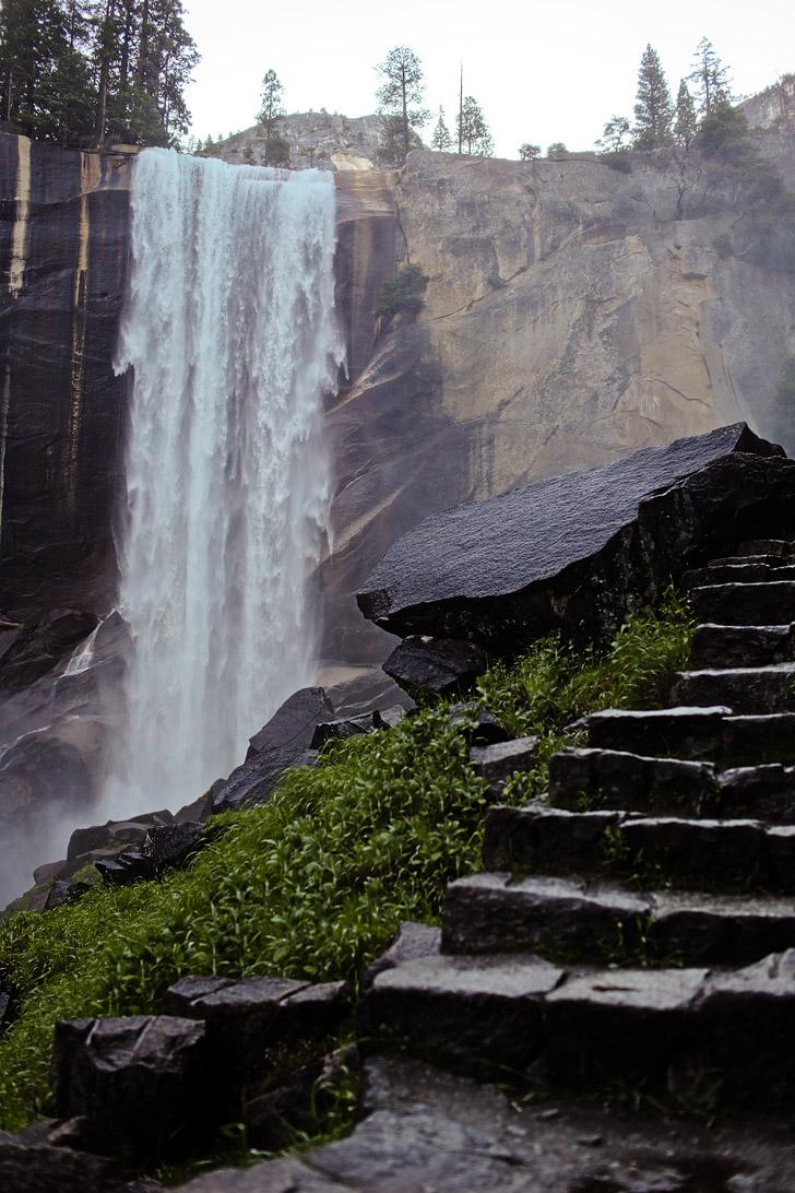 Vernal Falls Hike Yosemite National Park // localadventurer.com