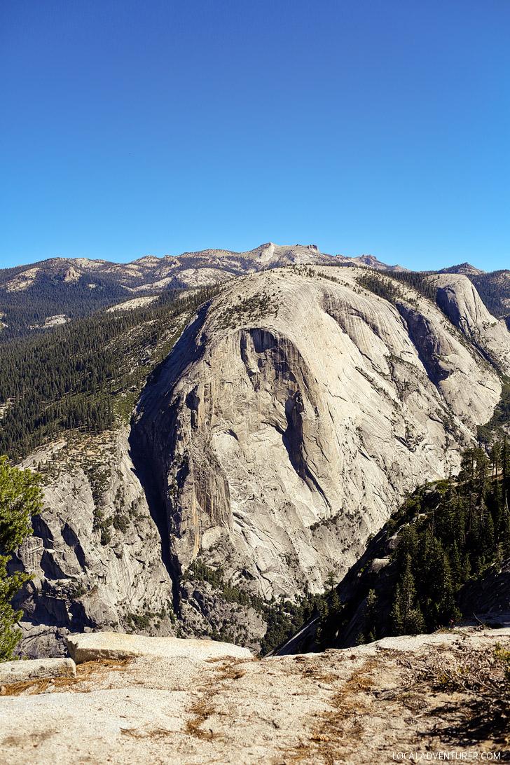 Hiking Yosemite National Park // localadventurer.com