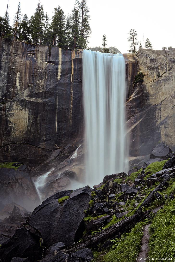Yosemite Vernal Falls Hike // localadventurer.com