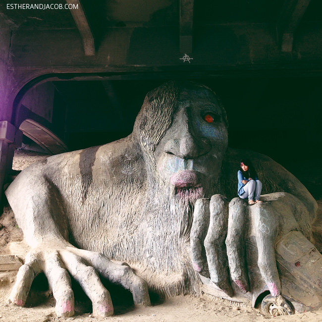 the fremont troll seattle washington. troll in seattle. what to do in seattle. seattle things to do. fun things to do in seattle. best things to do in seattle.