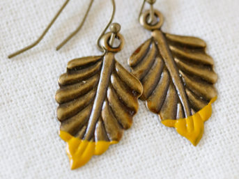 Refugee Beads Giveaway | Dip Dye Metal Jewelry | Vintage Leaf Earring.