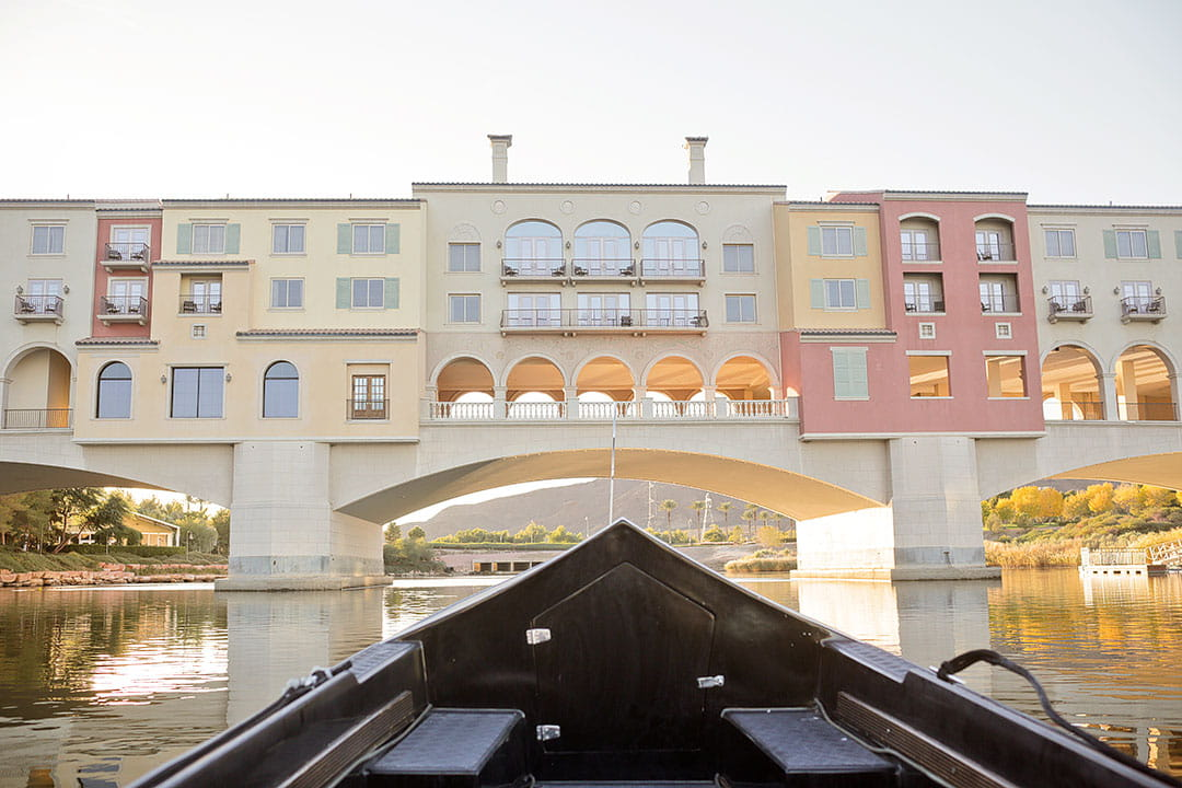 Kissing under the Ponte Vecchio Bridge // Things to Do in Lake Las Vegas + 15 Romantic Couple Things to Do in Vegas