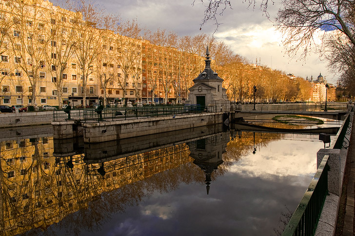 Walk along Rio Manzanares / Riverside Walk (21 Remarkable Things to Do in Madrid Spain).