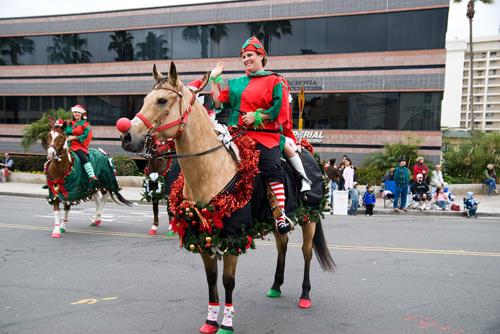 La Jolla Christmas Parade (15 Best Places to Celebrate Christmas in the US).
