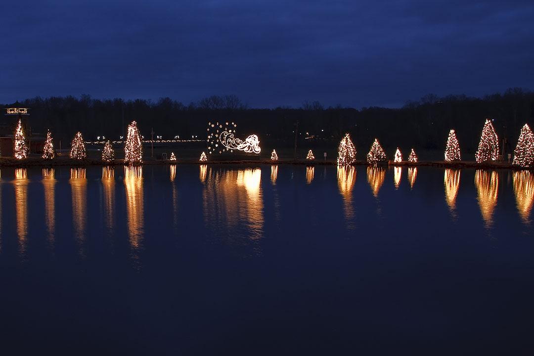 McAdenville Christmas Lights + 15 Best Places to Spend Christmas in the US and Best Christmas Towns in the World | LocalAdventurer.com