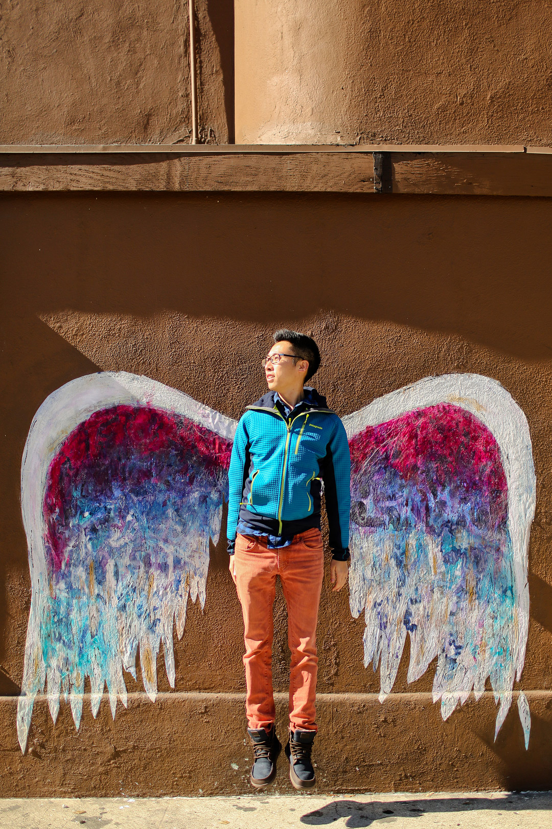Colette Miller's Angel Wings Project + 25 Cool Photoshoot Locations in Los Angeles // Local Adventurer #discoverla #losangeles #la #lalaland #visitcalifornia #california #mural #instagram