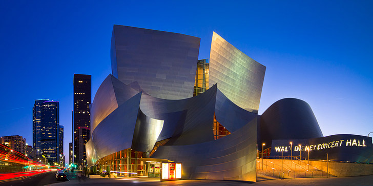 Frank Gehry's Walt Disney Concert Hall + 25 Free Things to Do in LA // localadventurer.com