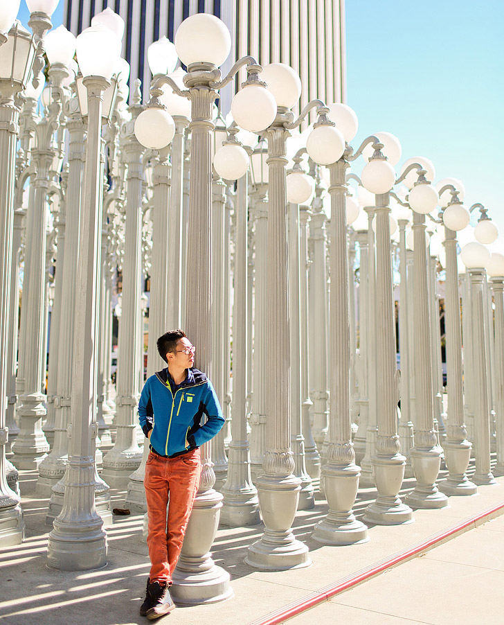 Urban Lights LACMA is a popular photo spot in LA + 25 Free Things to Do in Los Angeles // localadventurer.com