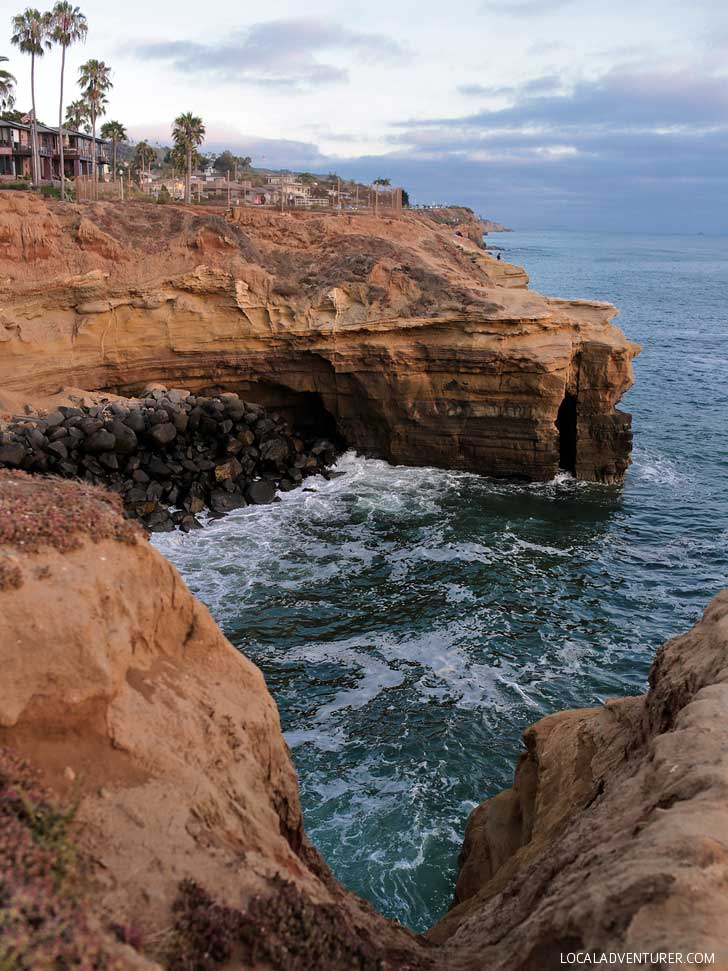 Sunset Cliffs Natural Park + 13 Best Photography Spots in San Diego // localadventurer.com