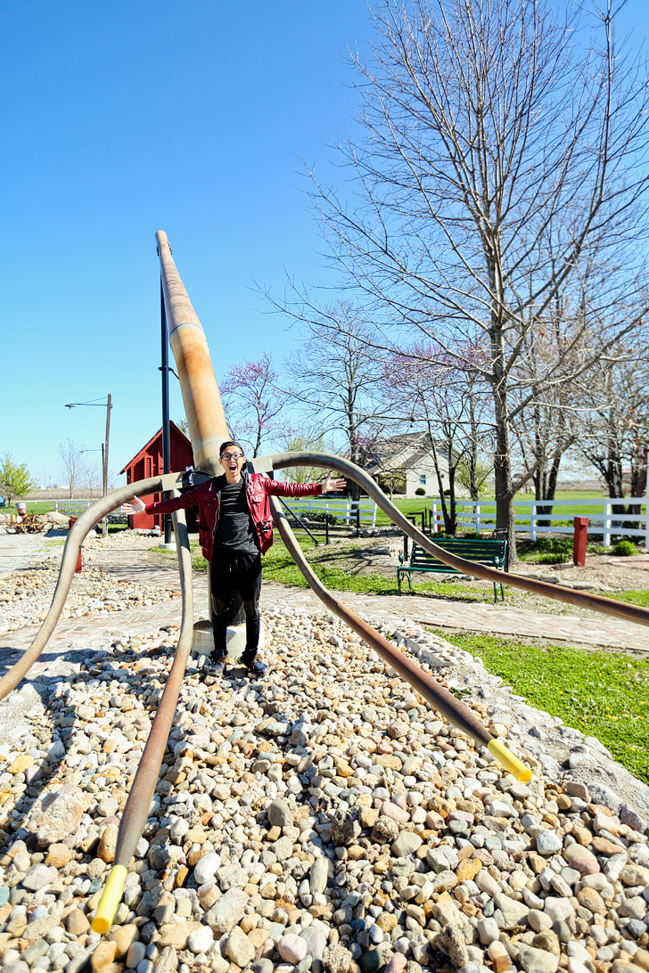 World's Largest Pitchfork in Casey Illinois #BigThingsInASmallTown // localadventurer.com