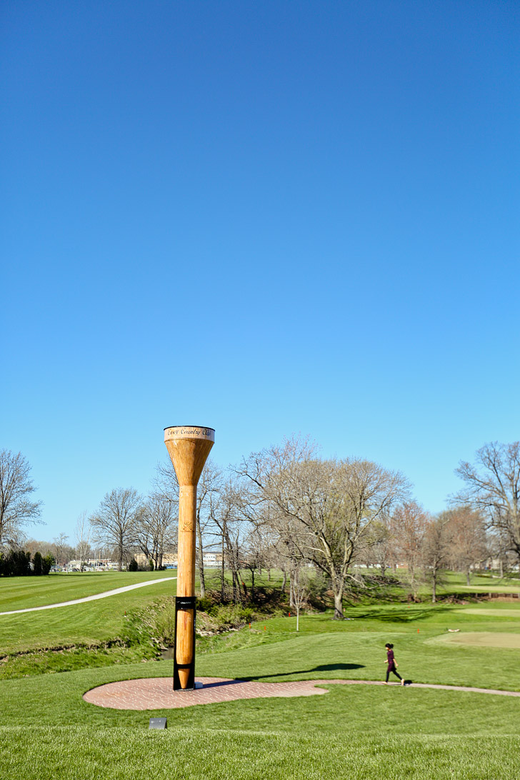 World's Largest Golf Tee in Casey Illinois #BigThingsInASmallTown // localadventurer.com