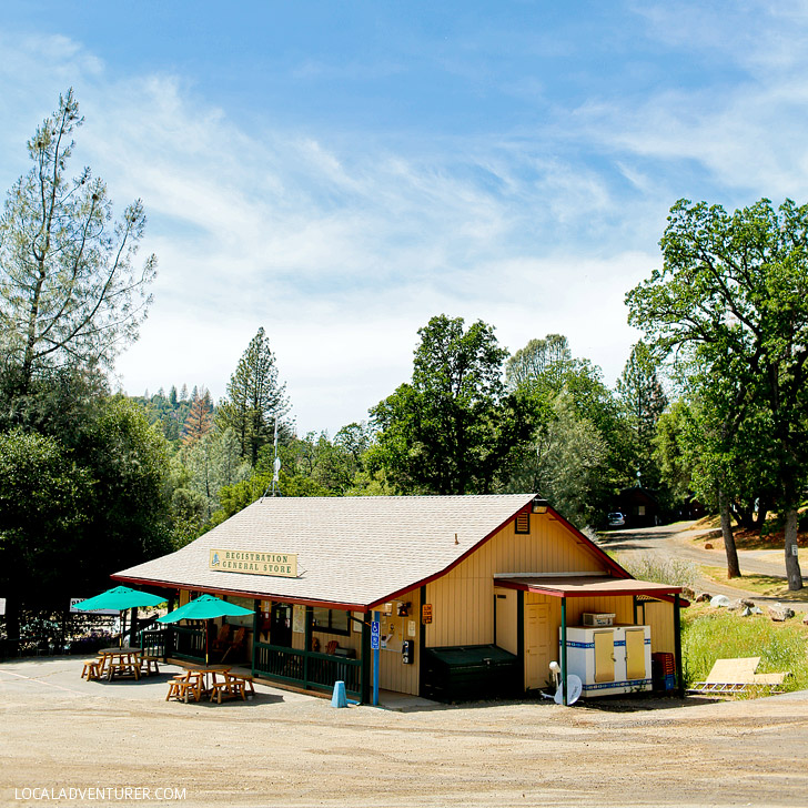 Yosemite Pines RV Resort & Family Lodging near the West Entrance of Yosemite National Park - Where to Stay near Yosemite National Park // localadventurer.com