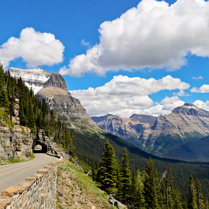 Going to the Sun Road - one of the most famous scenic drives in the world (+ 9 Wonderful Things to Do in Glacier National Park) // localadventurer.com