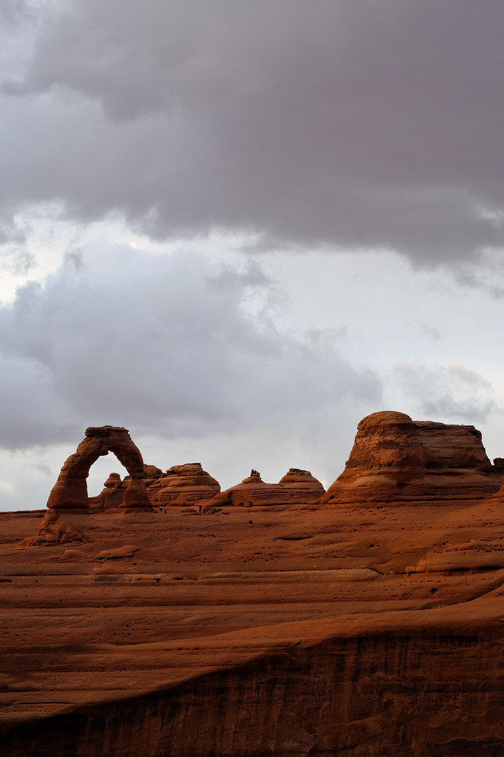 View of Arches National Park Delicate Arch from the Upper Delicate Arch Viewpoint // localadventurer.com