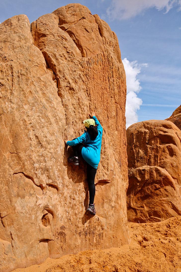 Devils Garden Hike Arches National Park Moab Utah // localadventurer.com