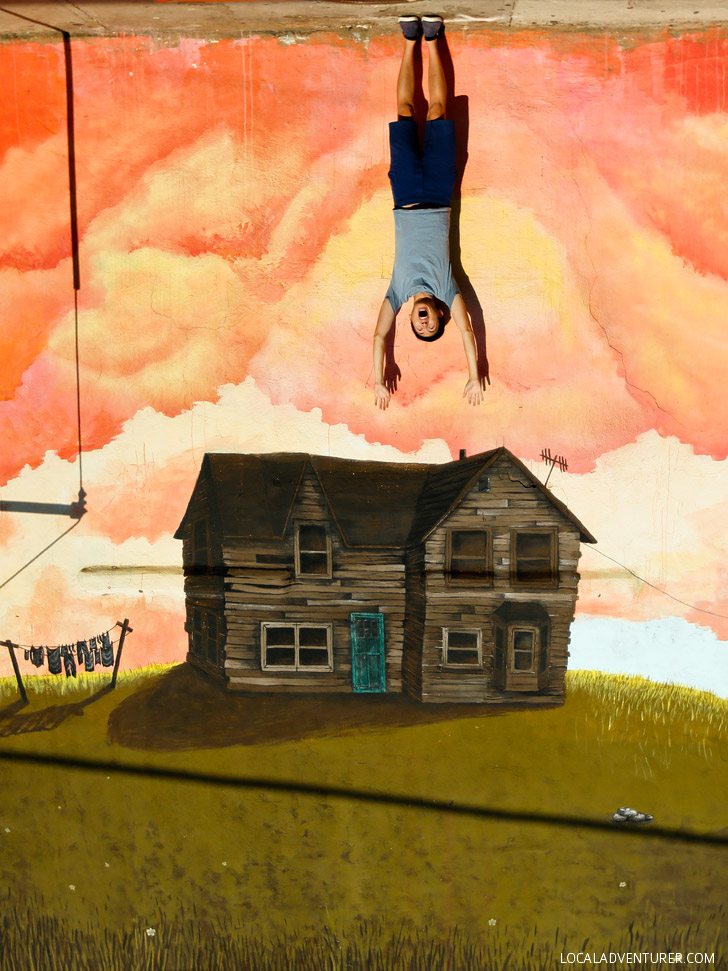Upside Down House by Caroline Caldwell (+ Best Instagram Spots in Atlanta) // localadventurer.com