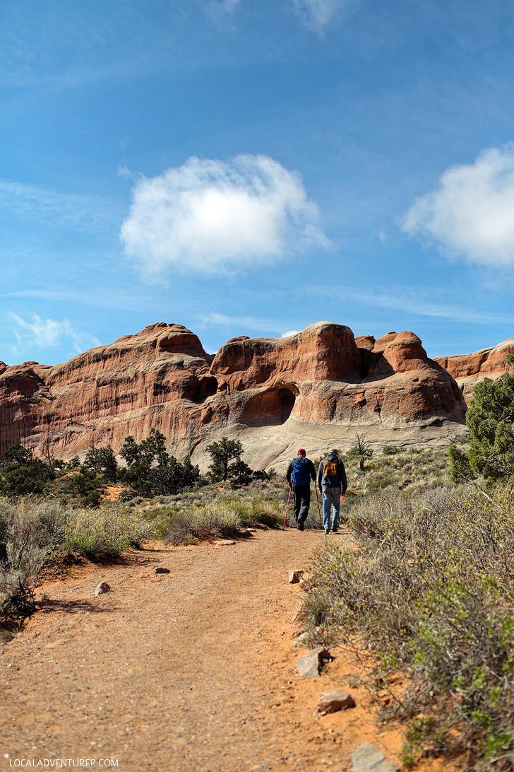 Tunnel Arch, Devils Garden Trail, Arches National Park, Moab Utah // localadventurer.com