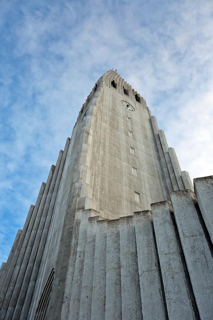 Hallgrimskirkja Church (11 Interesting Things to Do in Reykjavik Iceland) // localadventurer.com