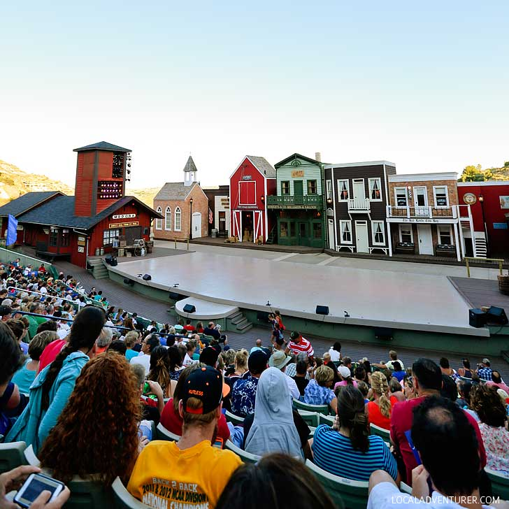 Medora Musical (Best Things to Do in North Dakota) // localadventurer.com