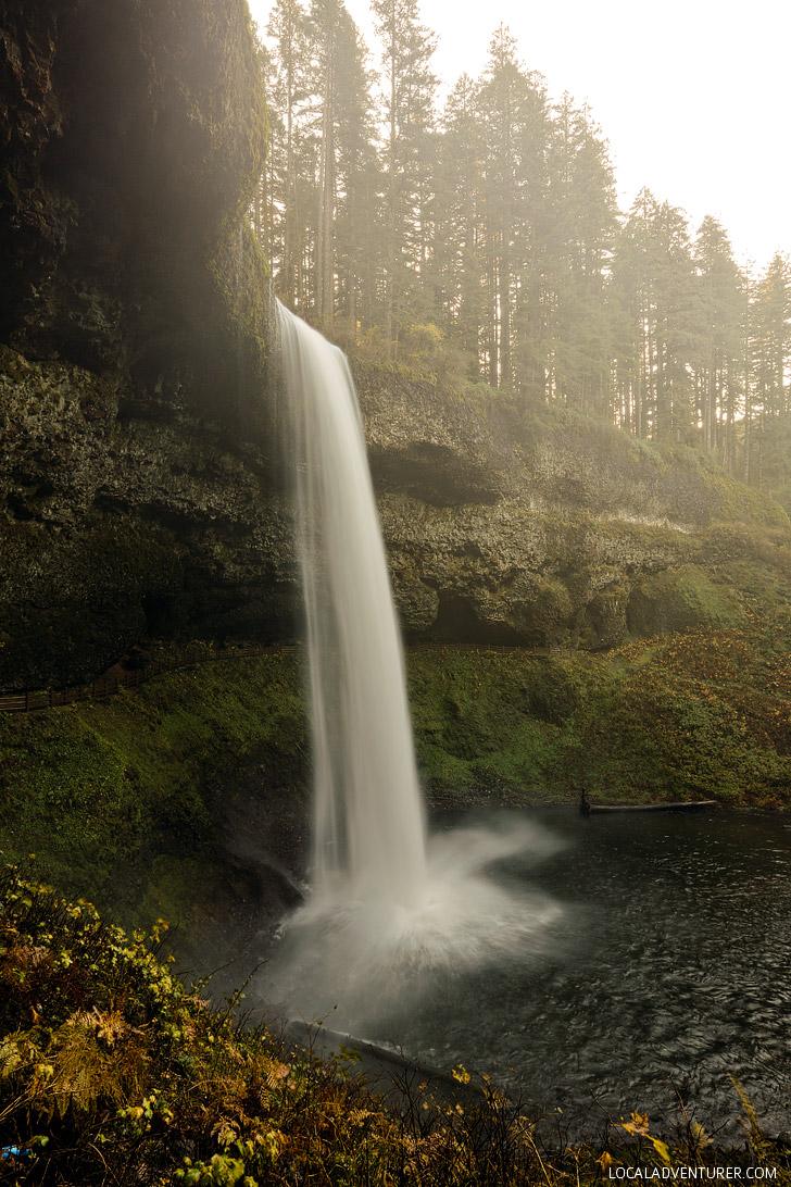 South Falls Oregon Waterfall Hike // localadventurer.com