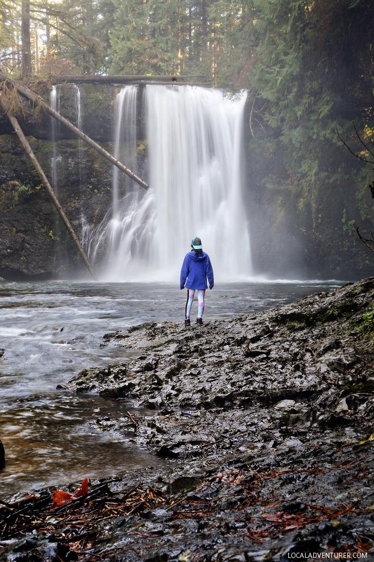 Upper North Falls, Trail of Ten Falls Hike, Silver Falls State Park, Oregon USA // localadventurer.com