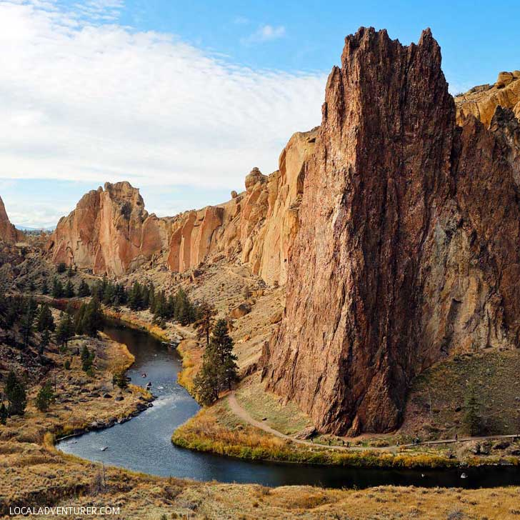 Smith Rock State Park + Your Essential Guide to Oregon // localadventurer.com