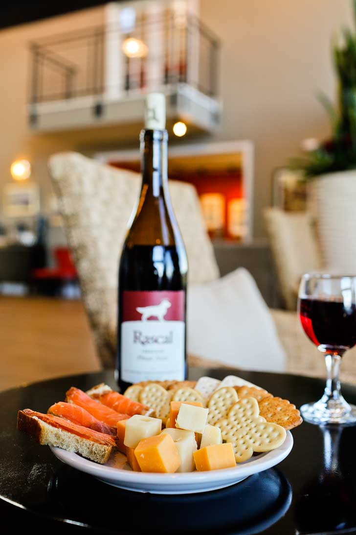 The Cannery Pier Hotel in Astoria Oregon has an amazing wine and cheese reception every day complimentary to guests // localadventurer.com