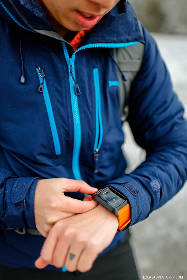 How to Avoid Geting Lost While Hiking - Tips and Tricks + TomTom Adventurer Watch Review - It's perfect for our outdoors adventures, but find out what we liked and didn't like about it // localadventurer.com