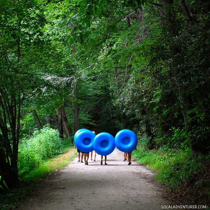 Float the French Broad River (Free Things to Do in Asheville NC) - The French Broad River flows thru 117 miles of western North Carolina and has a number of access parks // localadventurer.com