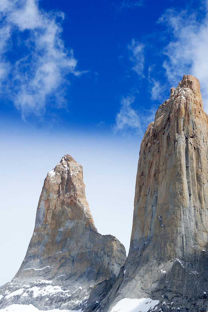 Torres Del Paine Hiking Itinerary + Sign up to go with us this July! // localadventurer.com