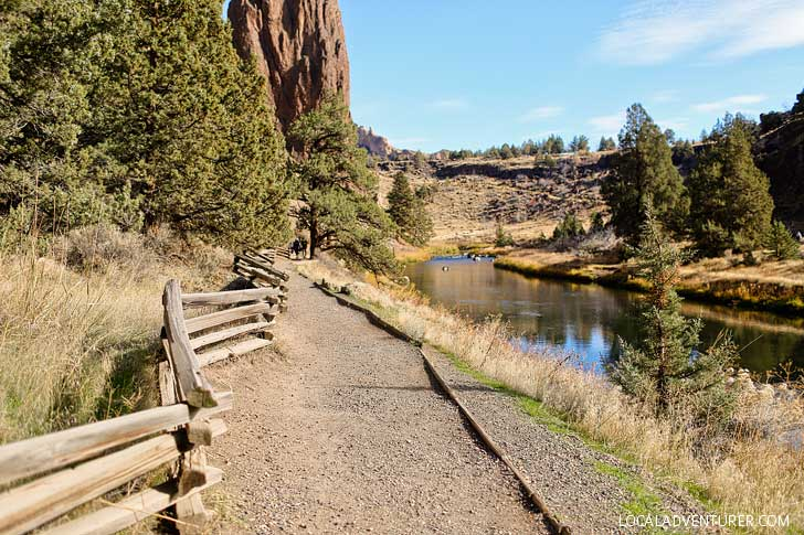 River Trail - Misery Ridge Loop Smith Rock State Park Oregon - iconic hike in the park offers scenic views of Crooked River and Monkey Face. Check out detailed info on the hike here // localadventurer.com