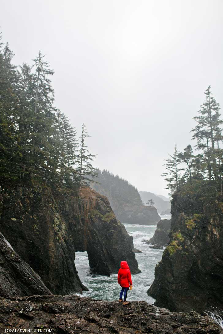 Natural Bridges Oregon - Samuel H Boardman State Scenic Corridor // localadventurer.com