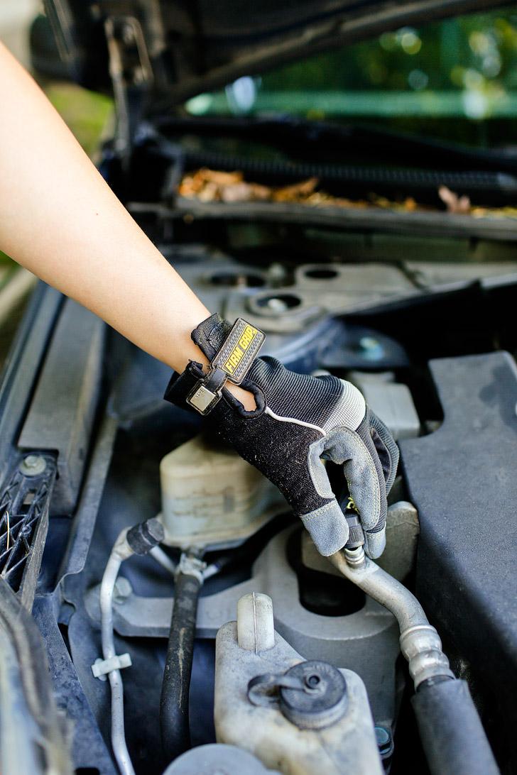How to Recharge Car AC - an Easy DIY Solution // localadventurer.com