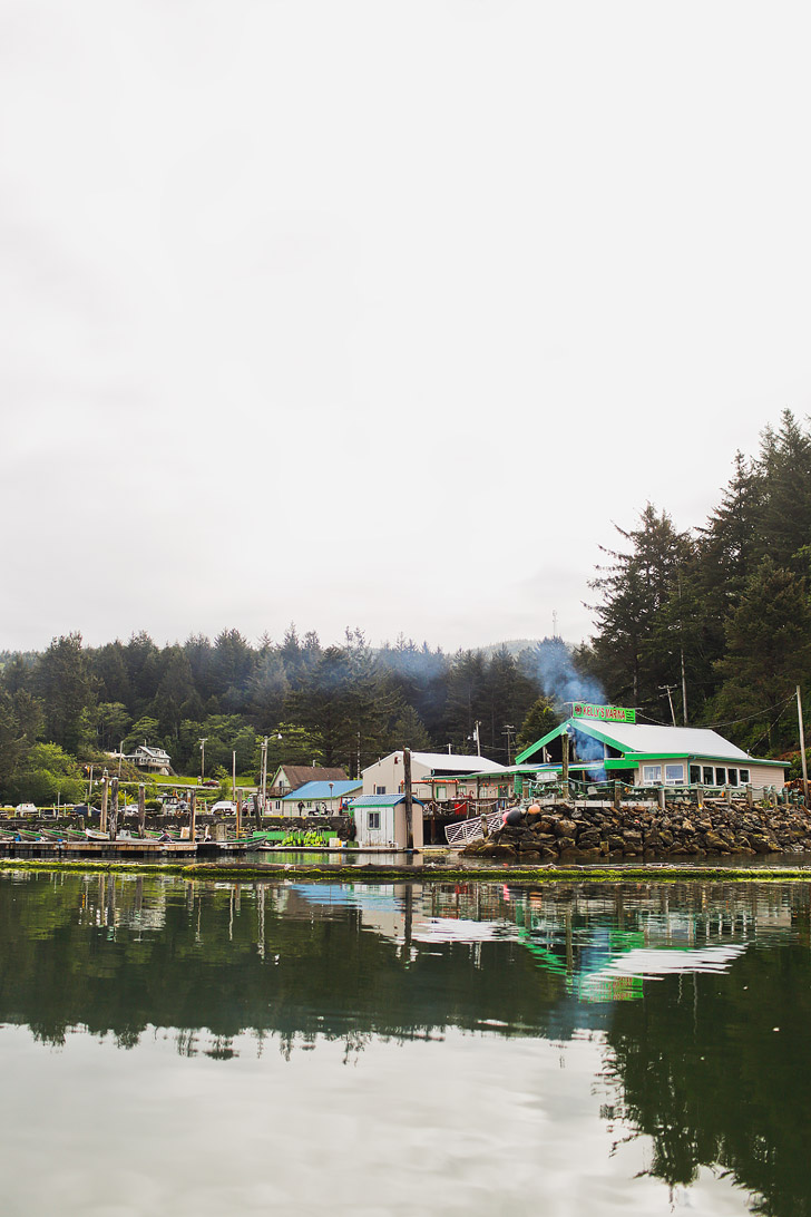 Kellys Brighton Marina + Everything You Need to Know on How to Go Crabbing in Oregon // localadventurer.com