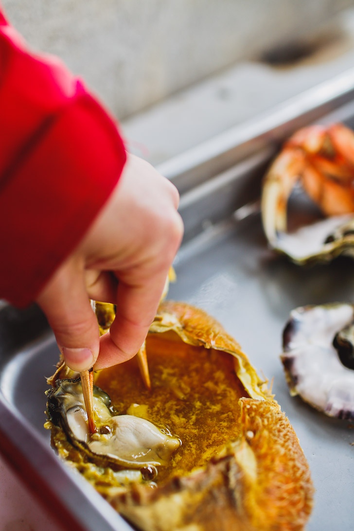 Oregon Crab Season + Essential Tips for Crabbing Oregon // localadventurer.com