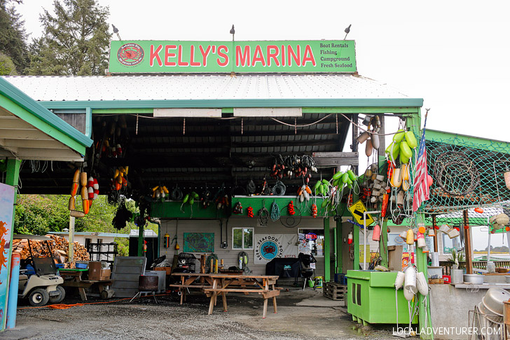Kellys Brighton Marina + How to Go Crabbing in Oregon // localadventurer.com