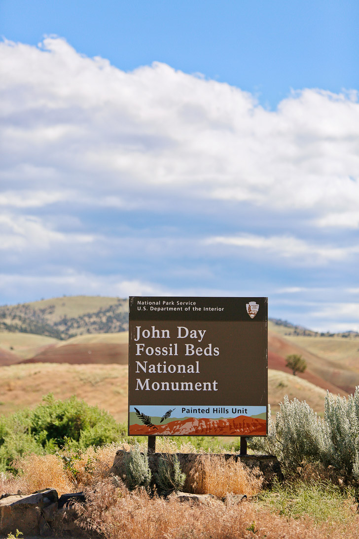 The Painted Hills Sign, John Day Fossil Beds National Monument, Eastern Oregon // localadventurer.com