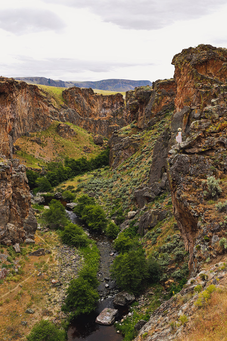 Fjadrargljufur Iceland vs Succor Creek State Park in Oregon + 9 Reasons Why Oregon is the Iceland of America // localadventurer.com