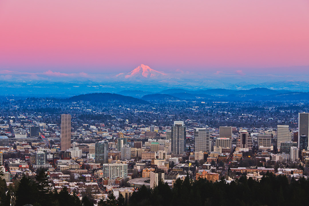 101 Things to Do in Portland Oregon - the Ultimate Portland Bucket List - from the touristy spots everyone has to do at least once to the spots a little more off the beaten path. // Local Adventurer #pdx #portland #oregon #traveloregon #bucketlist