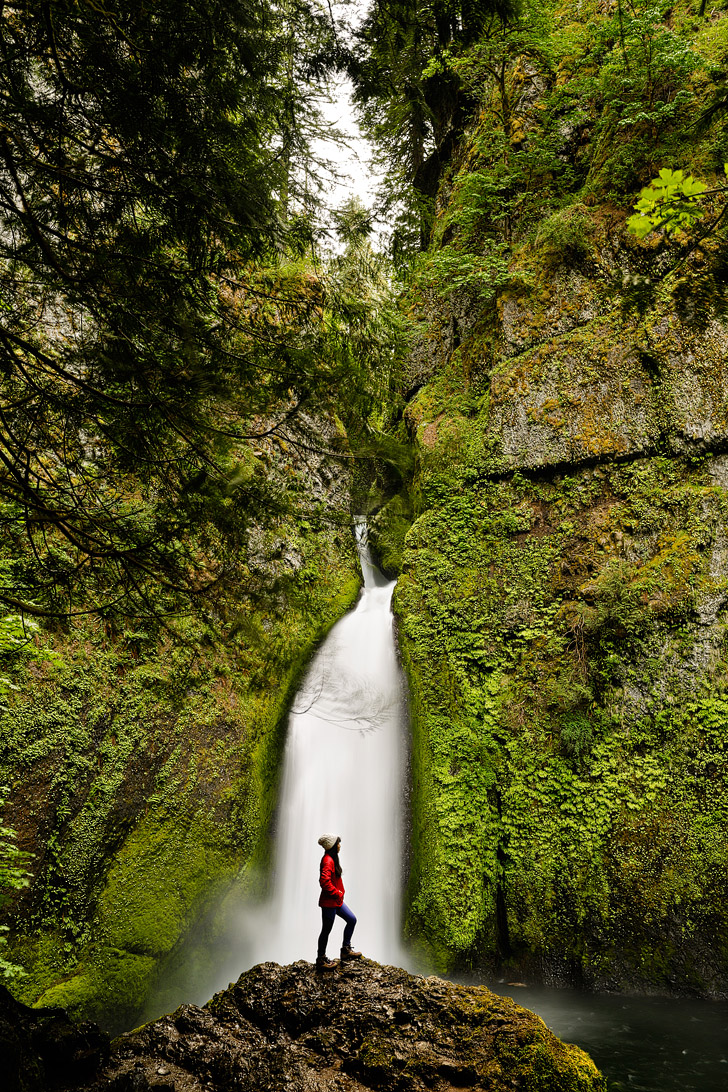 Wahclella Falls, Columbia River Gorge, Oregon Waterfalls + The Ultimate Oregon Bucket List // localadventurer.com