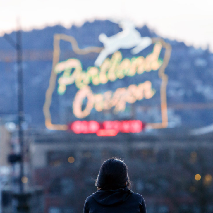 Burnside Bridge and the White Stag Sign + How to Find the Best Views in Portland Oregon // localadventurer.com