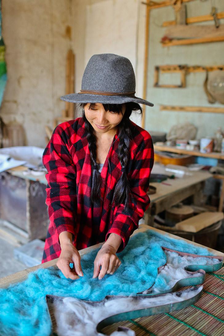 Kyrgyzstan Souvenirs + Making Your Own Felt Carpet in Kyrgyzstan // localadventurer.com
