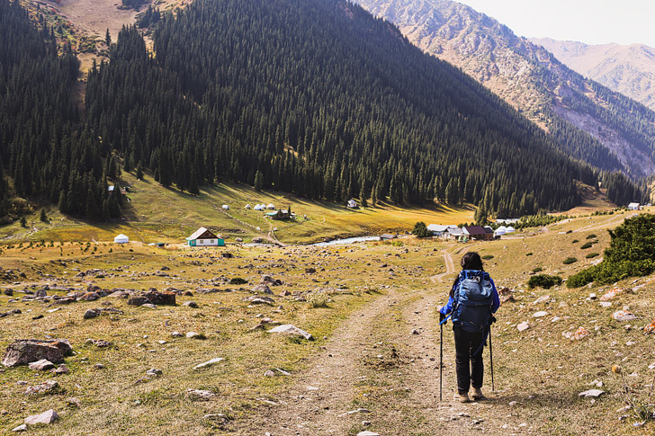Kyrgyzstan Hiking Day 3 - Hiking to Altyn Arashan // localadventurer.com