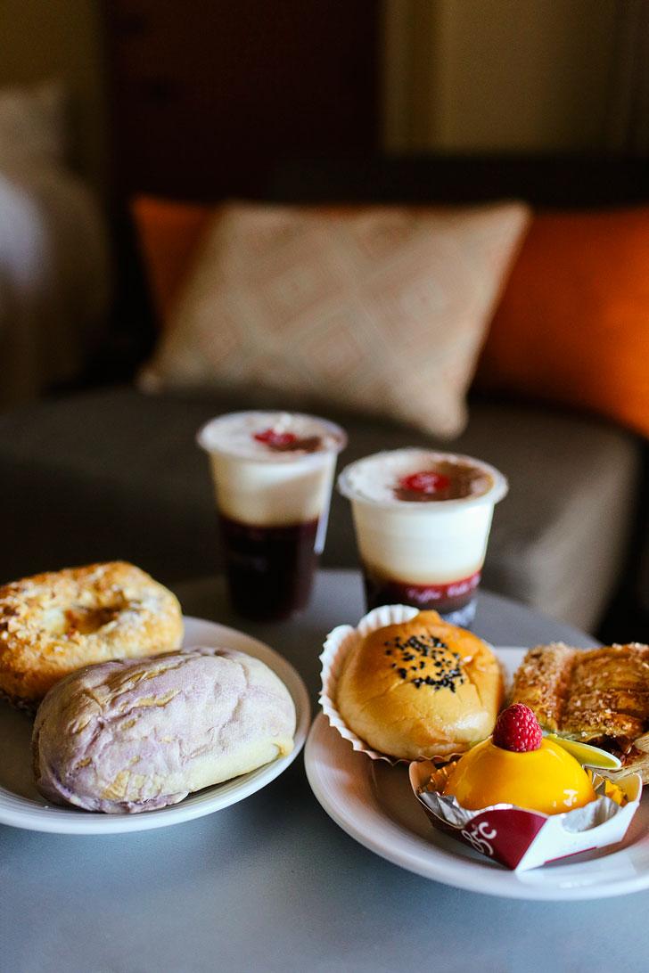 85°C Bakery + What to Eat in Irvine California // localadventurer.com