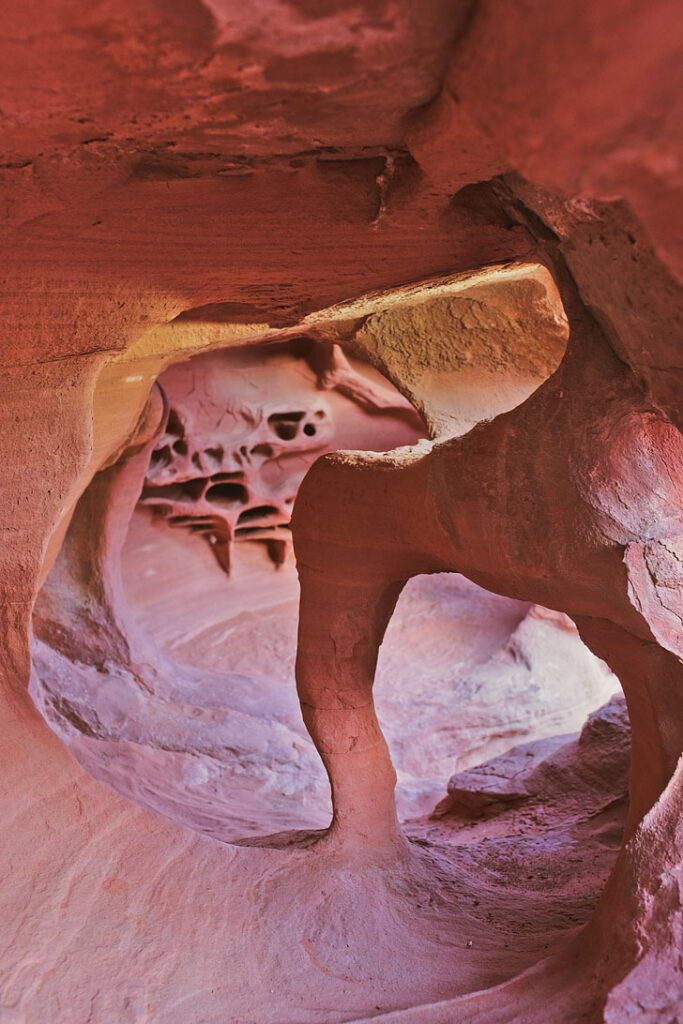 Valley of Fire + 15 Most Popular Road Trips from Vegas // localadventurer.com