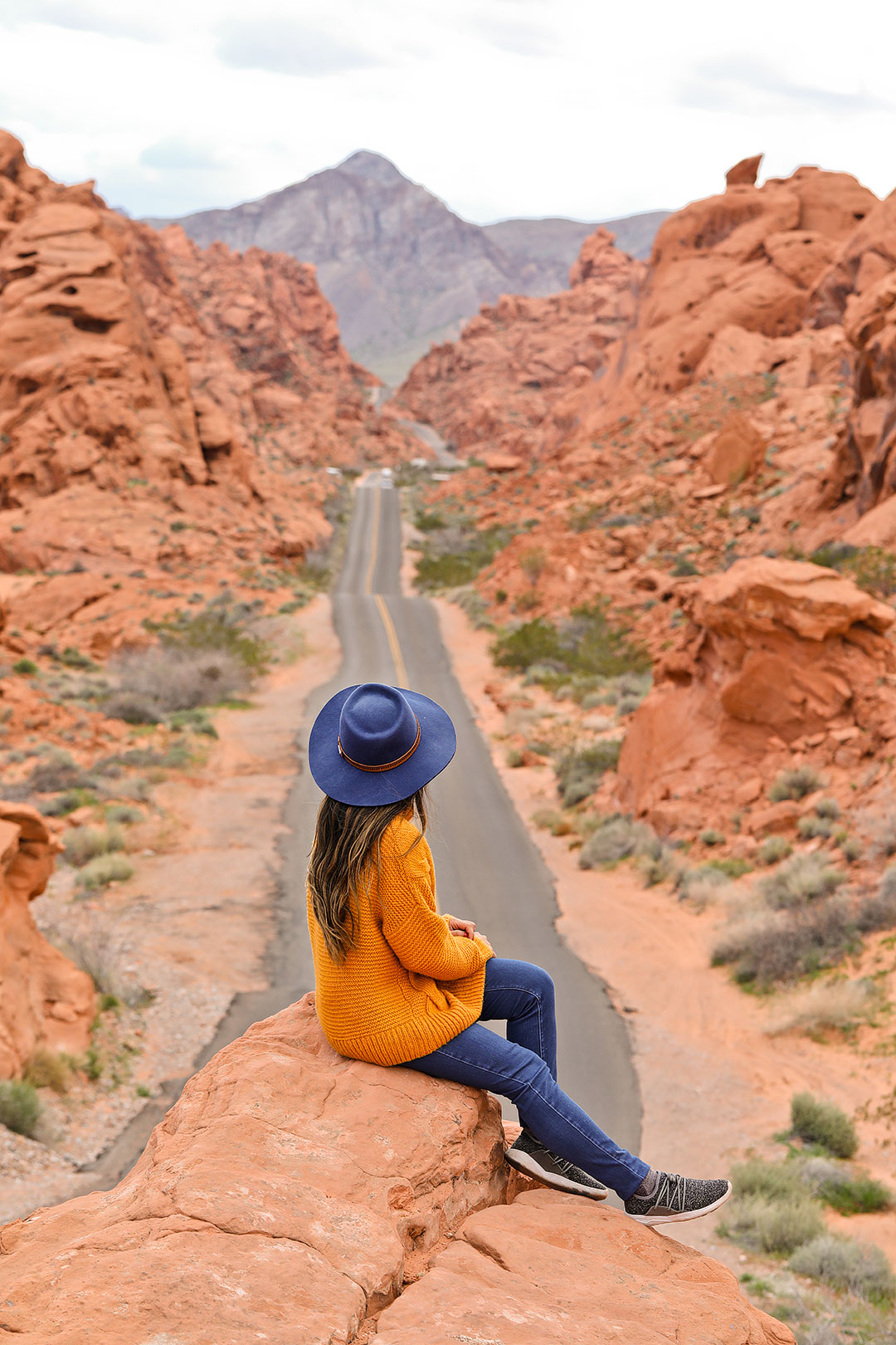 Valley of Fire - 101 Things to Do in Las Vegas NV // Local Adventurer #valleyoffire #travelnevada #usa
