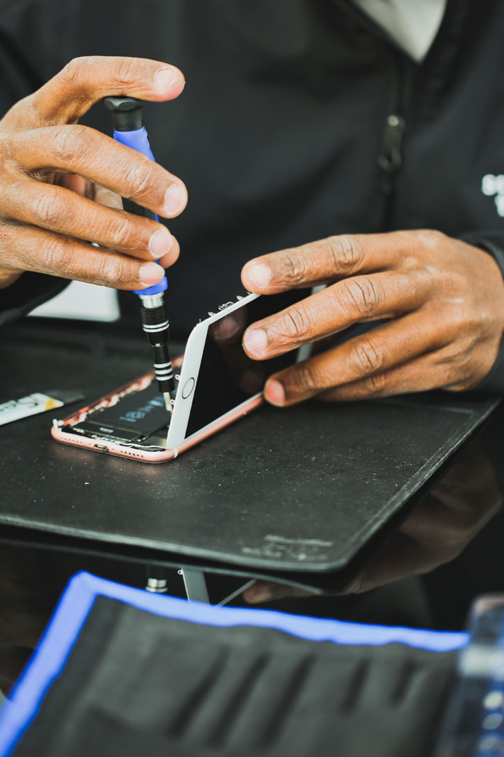 SquareTrade Go Cell Phone Repair that Comes to You // LocSquareTrade Go Cell Phone Repair that Comes to You // Local Adventurer