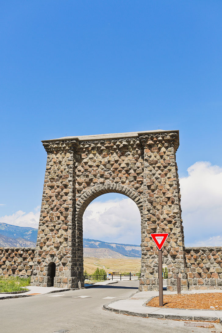 Roosevelt Arch, Yellowstone National Park + 101 Things to Do in Montana for Anyone Who Loves Adventure // Local Adventurer #montana #outdoors