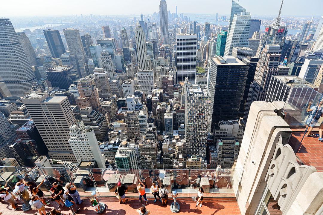 9 Amazing Things to Do in Rockefeller Center NYC