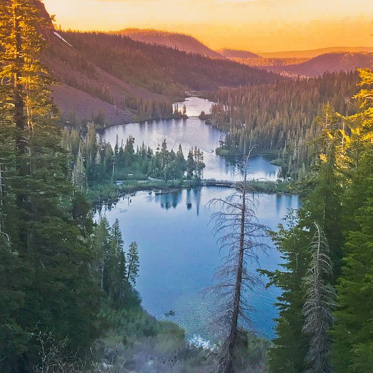 Mammoth Lakes California + 15 Beautiful Places to Visit Near Las Vegas By Car // Local Adventurer #mammothlakes #california #roadtrip